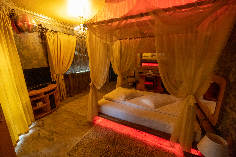 img/cam3/Hotel Boutique Mikaela Brasov c31