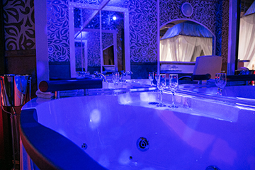 Hotel Boutique Mikaela Brasov Jacuzzi Baldachin c512