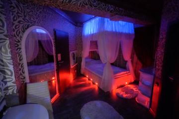 Hotel Boutique Mikaela Brasov Jacuzzi Baldachin c51