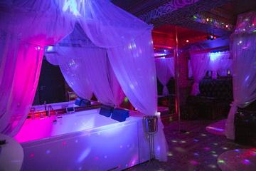 Hotel Boutique Mikaela Brasov Jacuzzi Baldachin c54