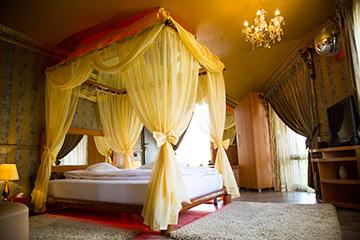 Hotel Mikaela Brasov Camera Baldachin